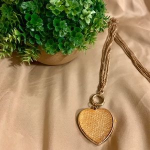 Jewelry - Gold heart necklace w/ layered chain